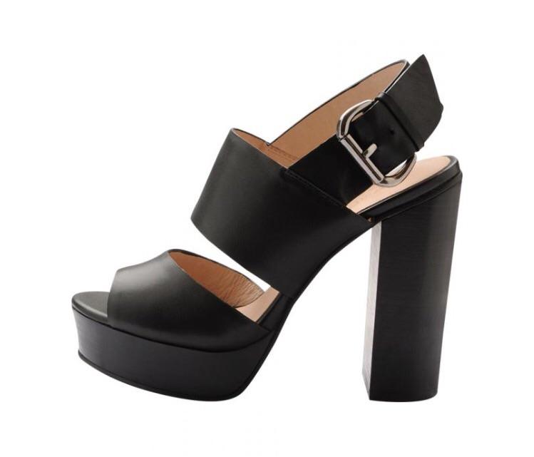 Platform sandal i skind fra Bianco til 699.